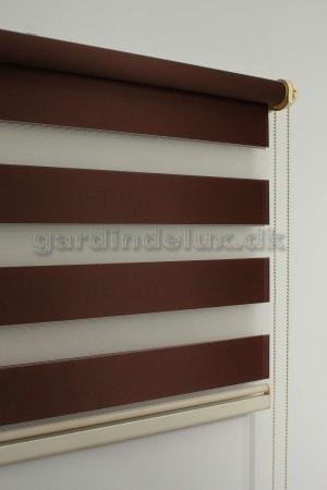 brun zebra gardin