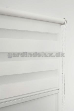 Hvid zebra gardin